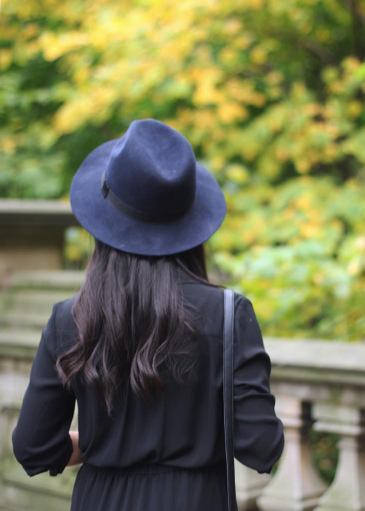 Black and Navy Felt Hat