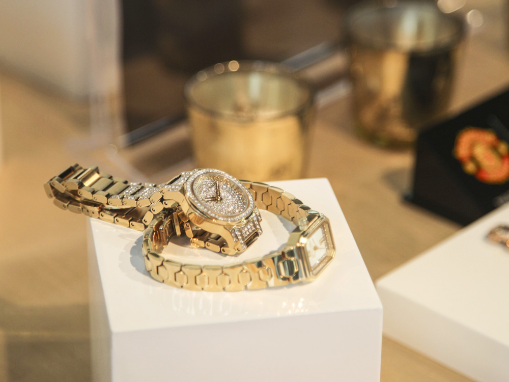 Bulova Gold Watches