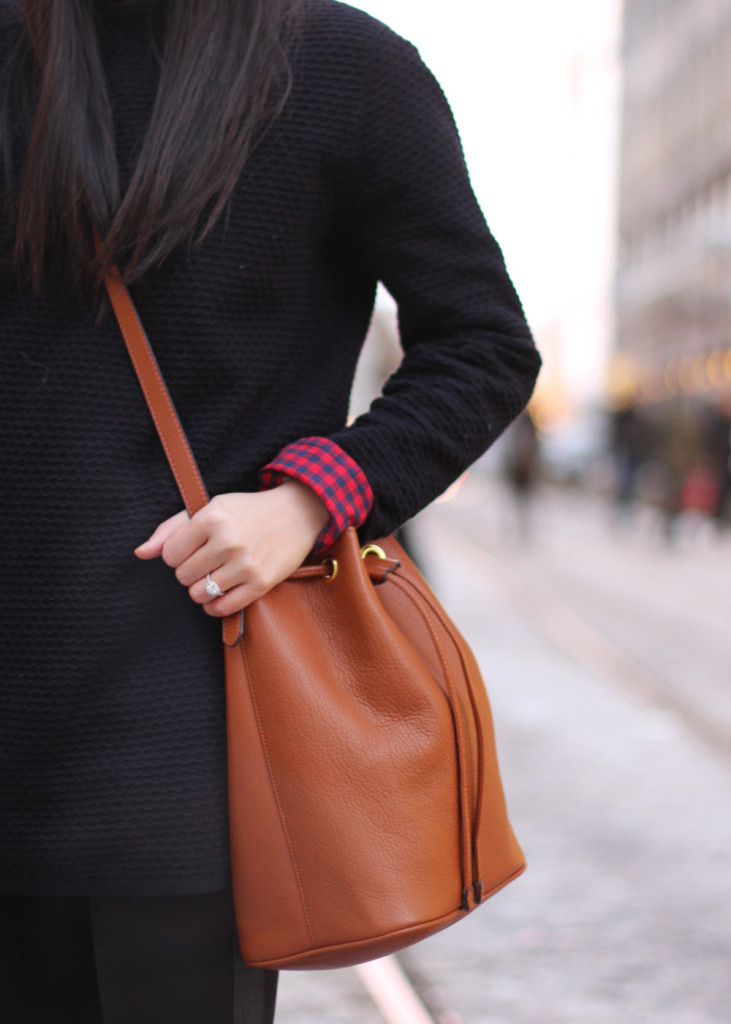 Old Navy Bucket Bag in Brown