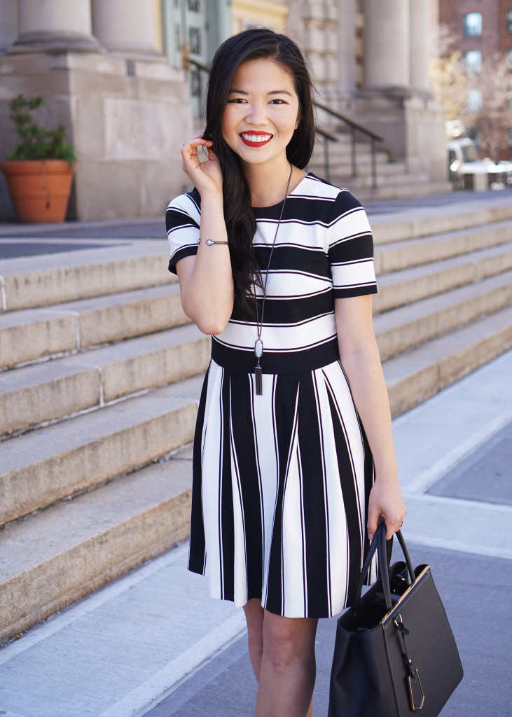 Skirt The Rules / Cute Black & White Striped Dress
