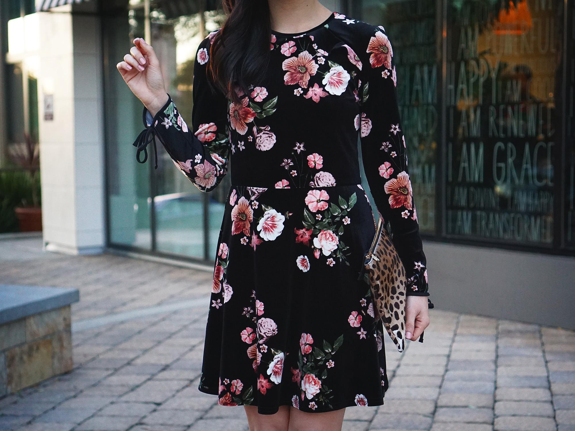 Skirt The Rules / Velvet Floral Dress