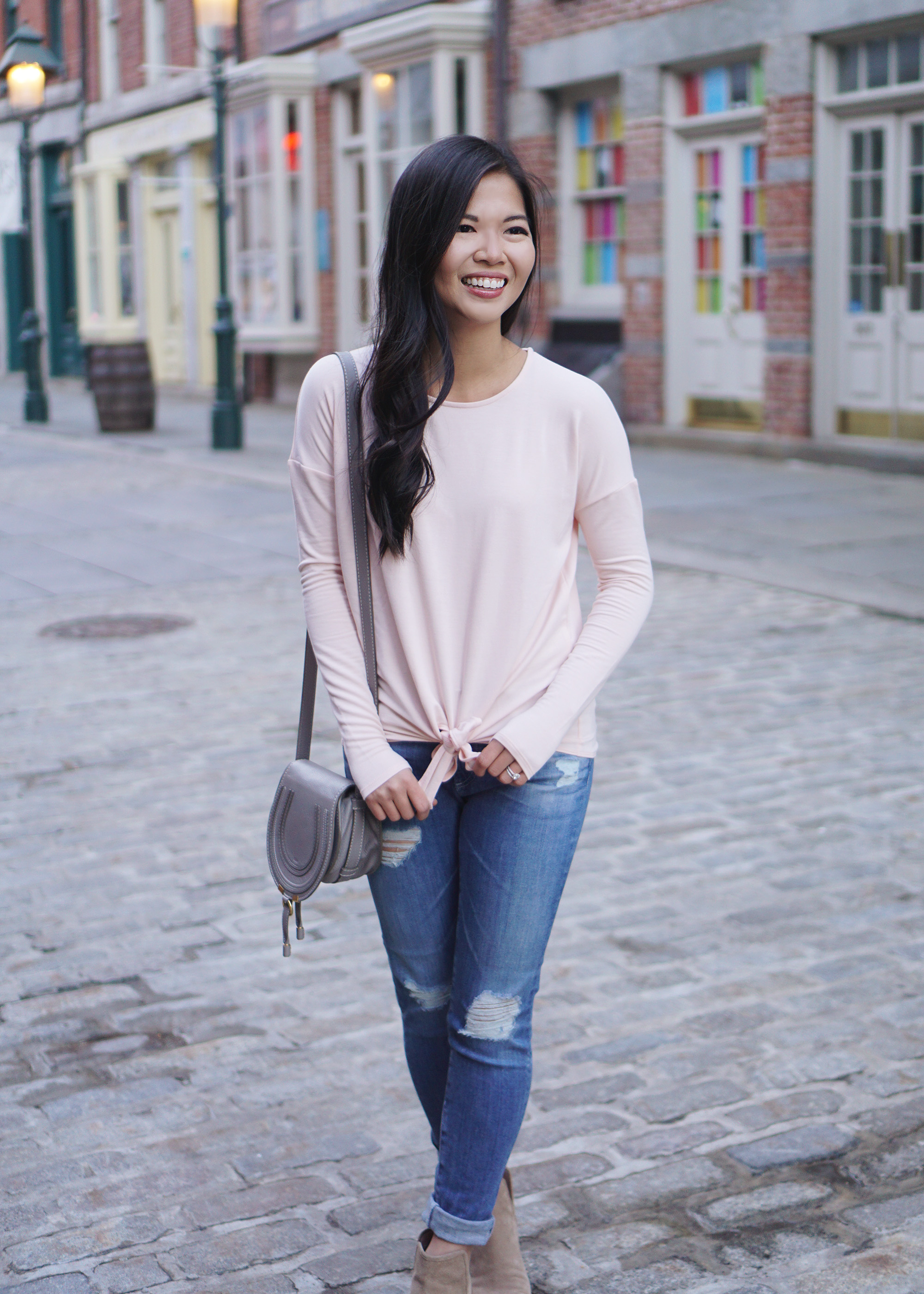 Casual Outfit for Spring / Pink Tie Front T-Shirt & Ripped Jeans