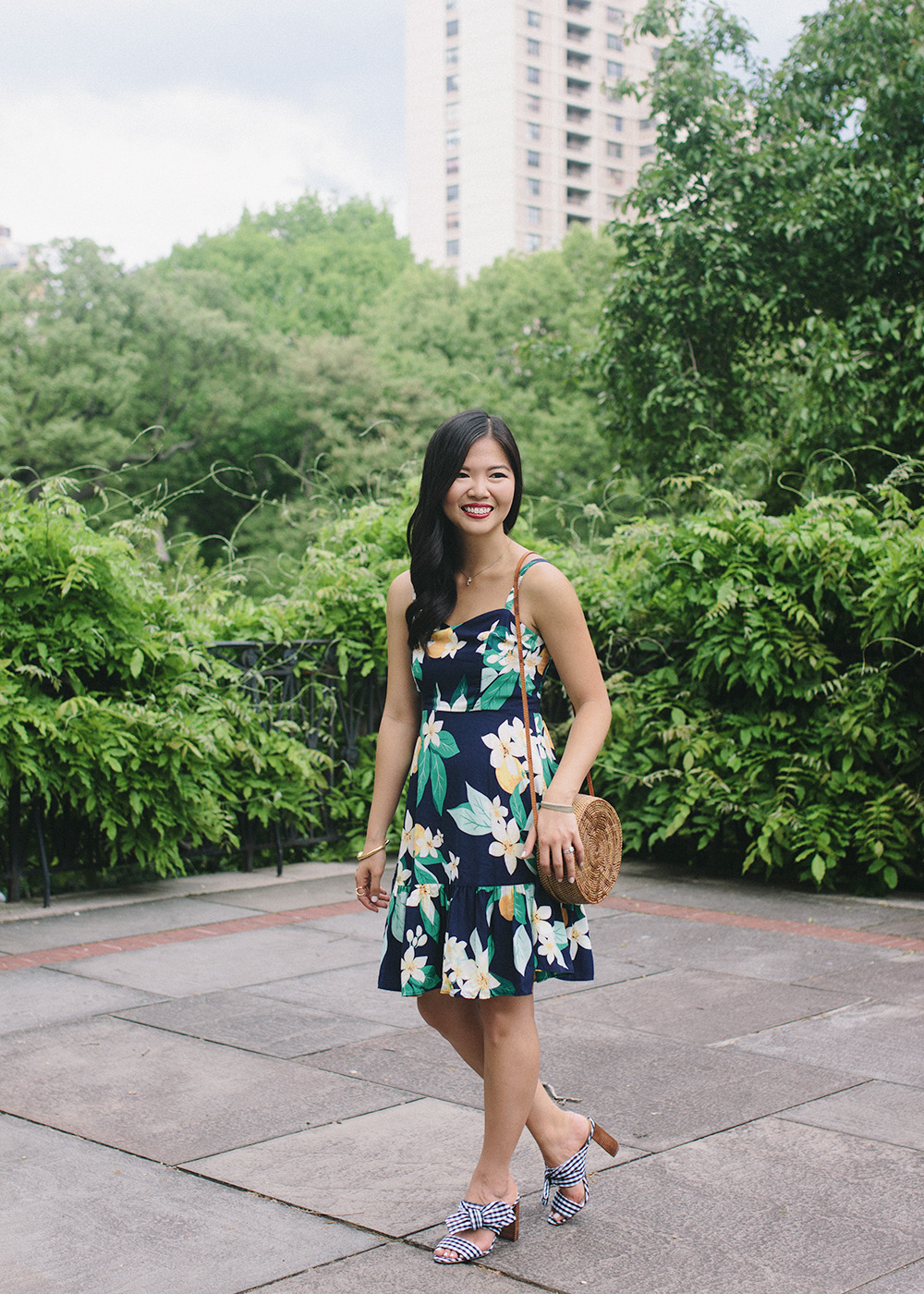 Summer Style Inspiration / Navy Floral Dress