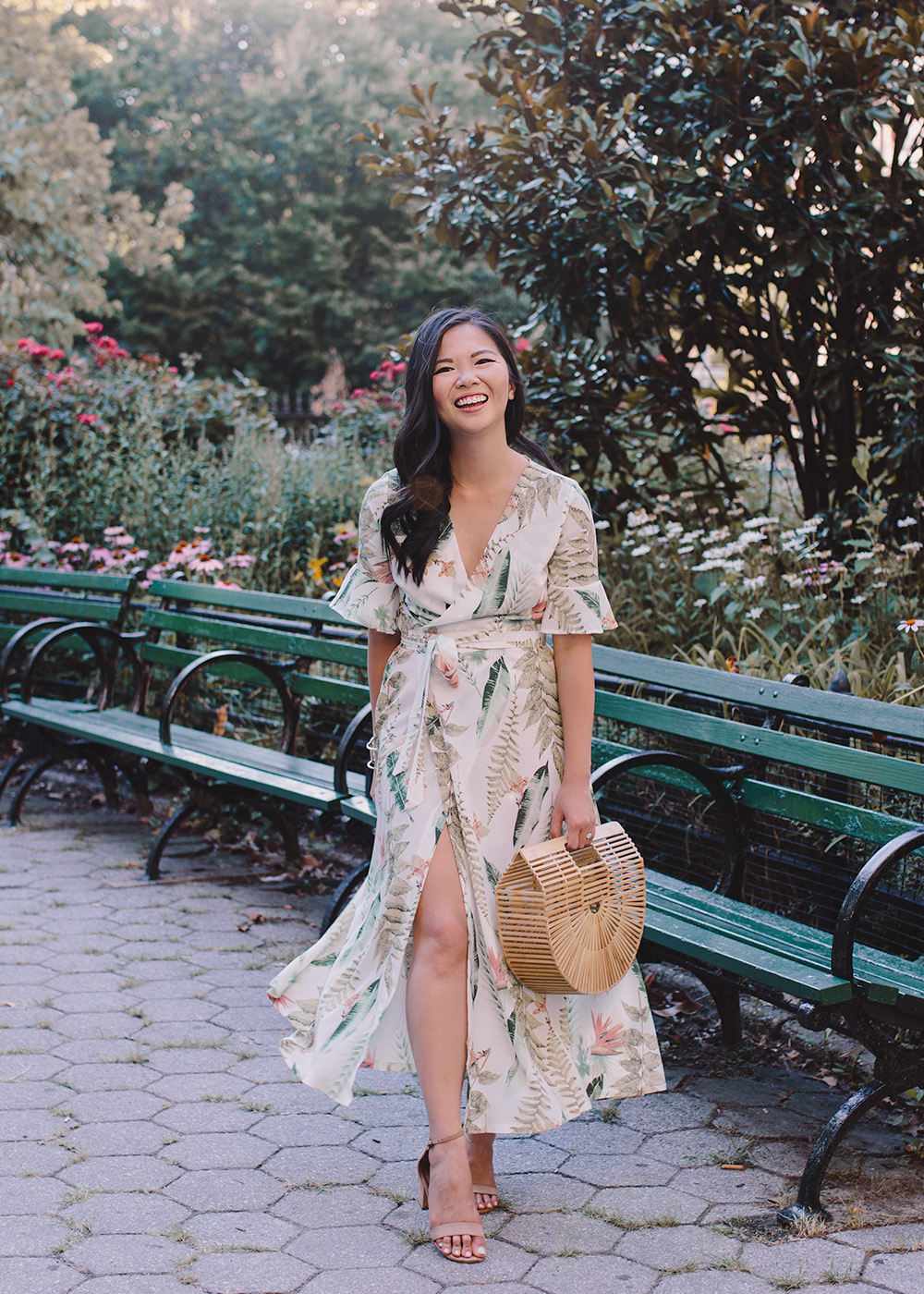 Summer Style / Tropical Floral Print Wrap Dress