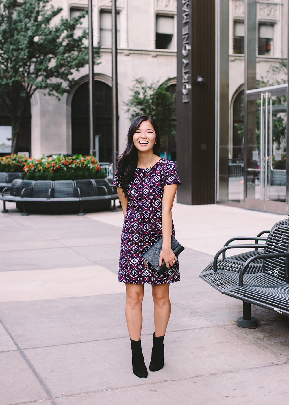 Fall Fashion Inspiration 2018 / Purple Print Shift Dress & Black Ankle Booties