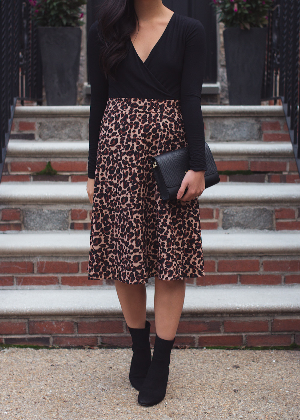 Fall Style inspiration / Leopard Skirt & Black Sock Booties