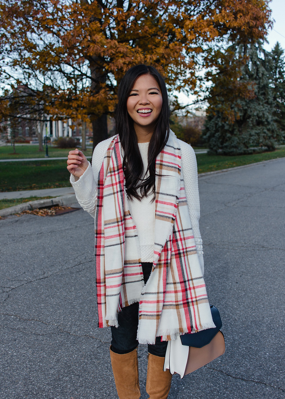 Fall Outfit Ideas / White & Red Plaid Scarf