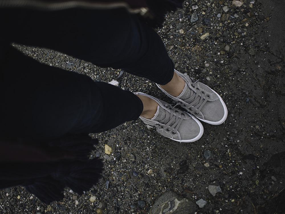 Famous Footwear / Blowfish Fruit Sneaker in Wolf Grey