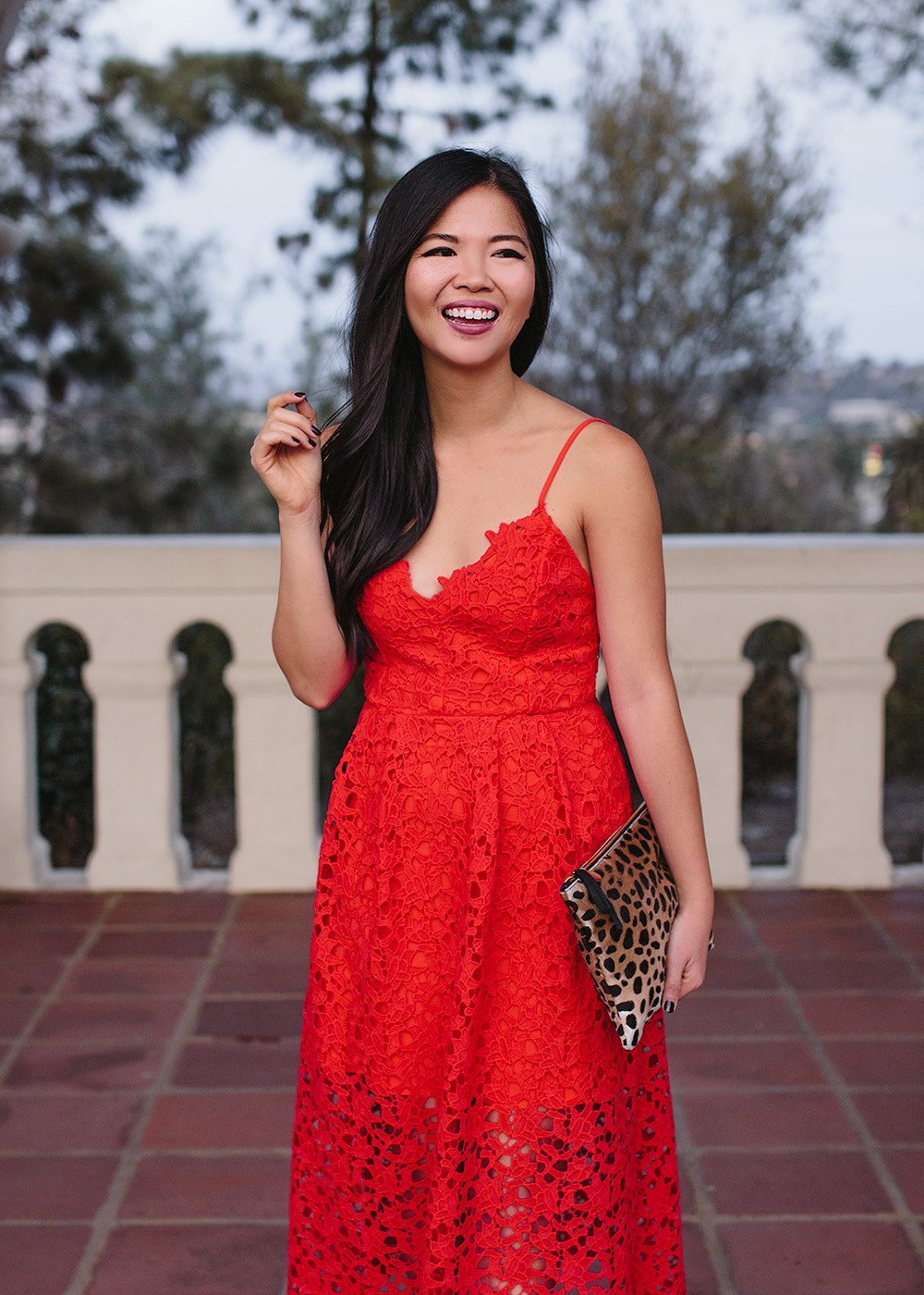 What to Wear to a Holiday Party / Red Lace Dress