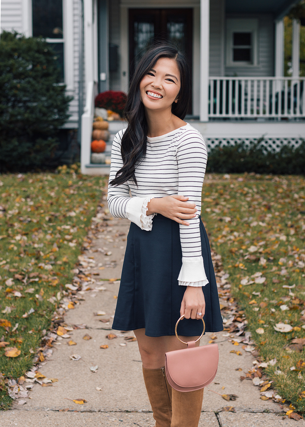 Fall Style / Navy Skirt & Tan Suede Boots