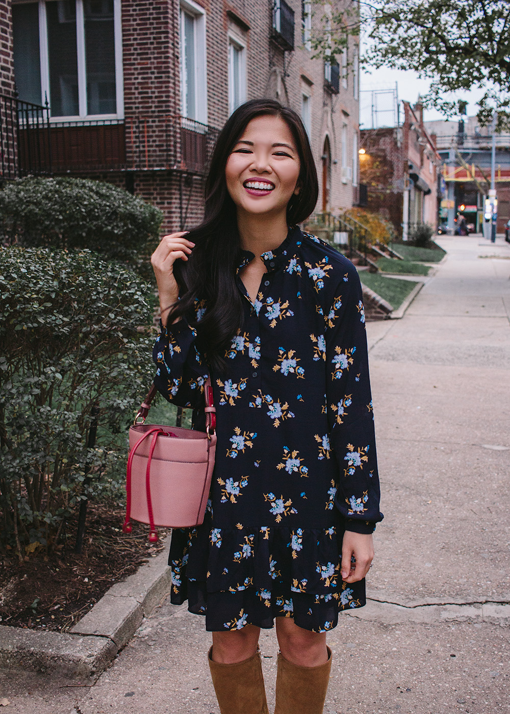 Fall Outfit Idea / Floral Long Sleeve Dress & Pink Bucket Bag