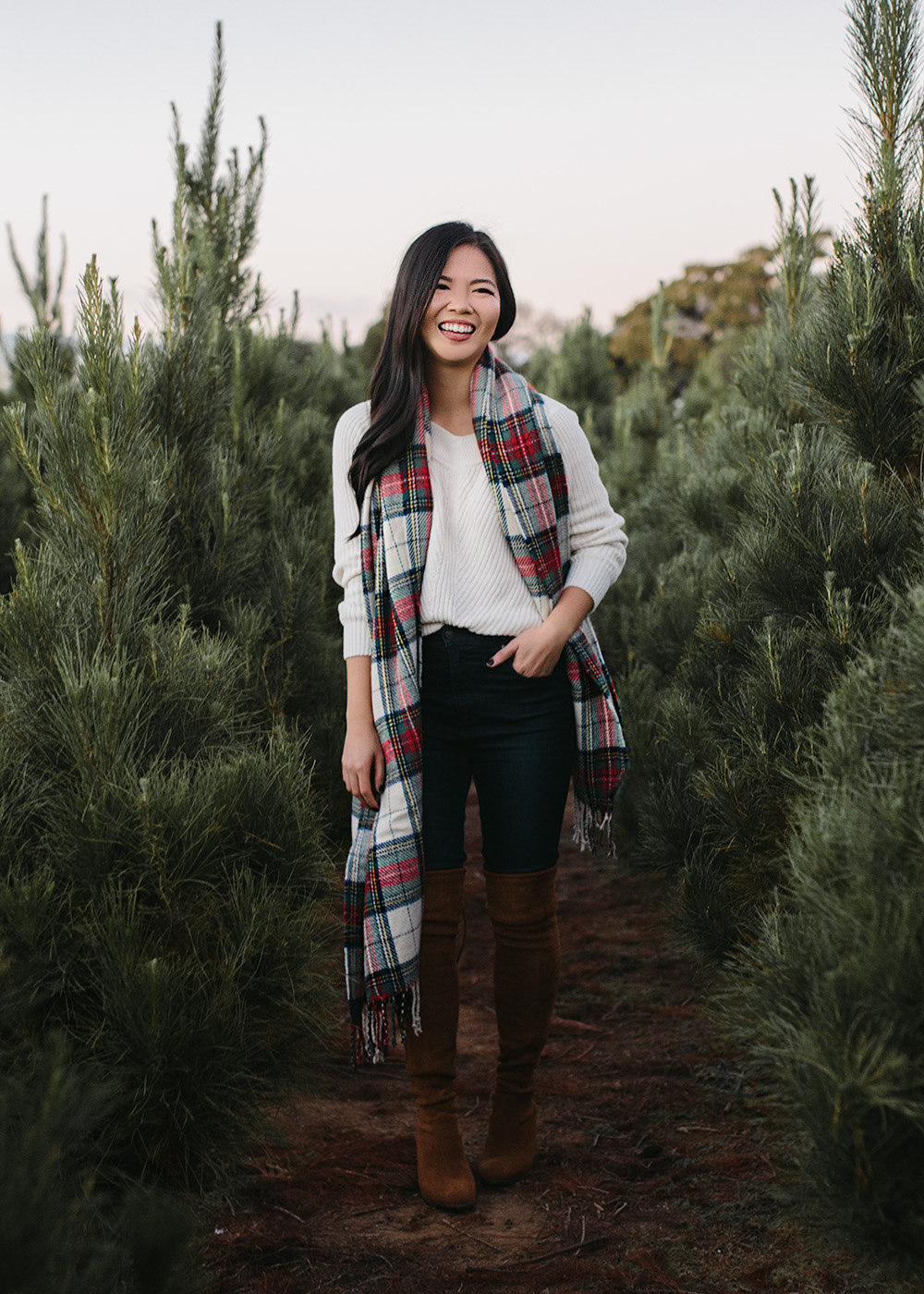 Winter Outfit Ideas / Christmas Plaid Scarf
