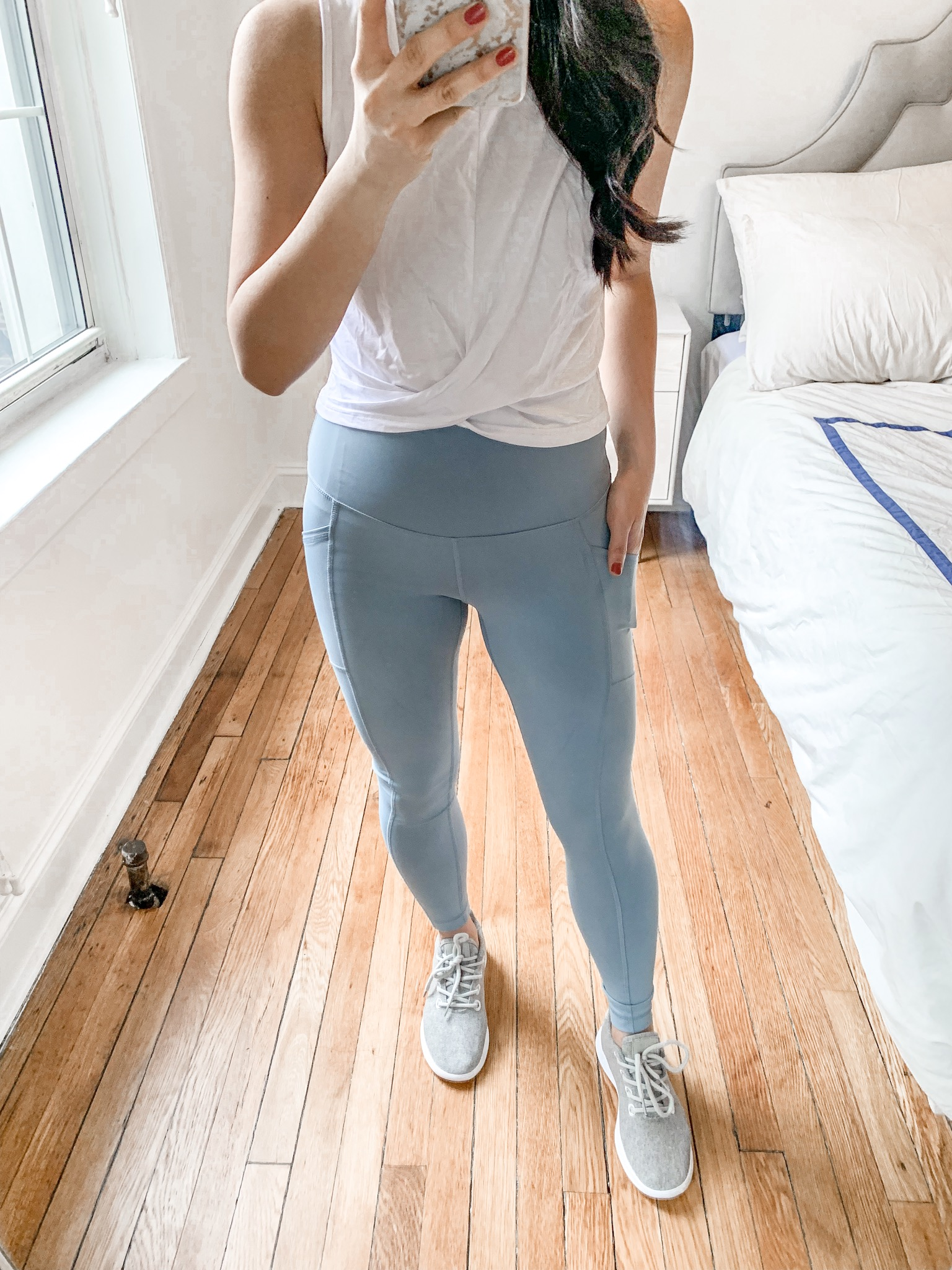Workout Outfit / White Crop Top & Mint High Waisted Leggings