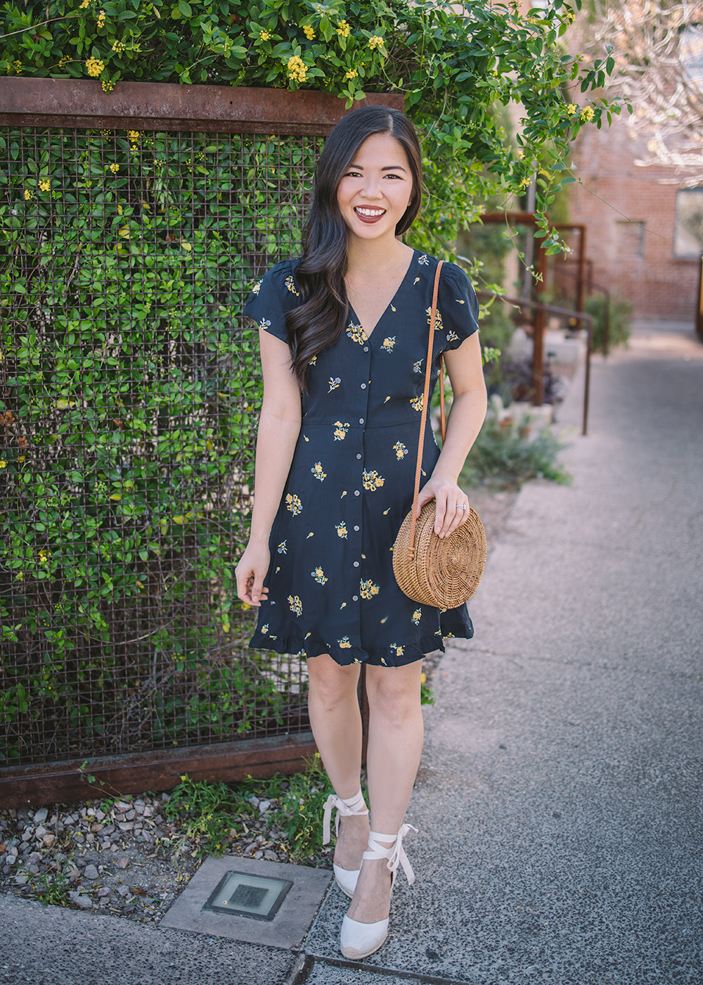 Spring Outfit Idea / Floral Short Sleeve Dress