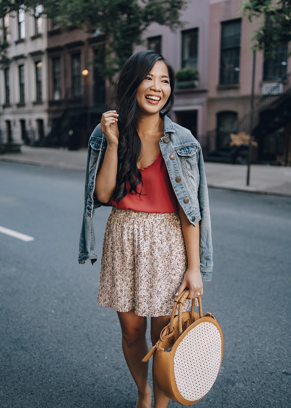Casual Summer Outfit Ideas for Women: Denim Jacket & Floral Shorts