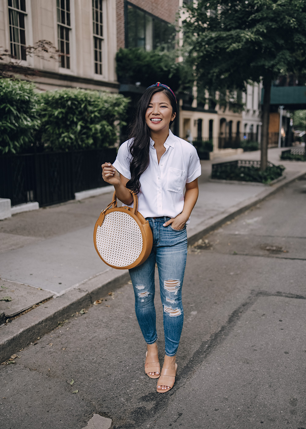 Casual Outfit for Women: White Short Sleeve Top & Ripped Skinny Jeans